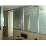 divisória para escritório com porta