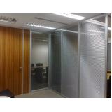 quanto custa divisórias para escritório feito de madeira na Santa Efigênia